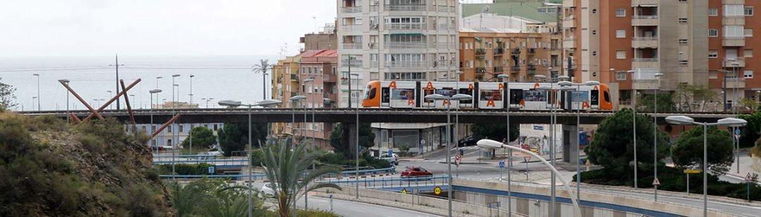 Tram Alicante linea 1 pasando por La Goteta