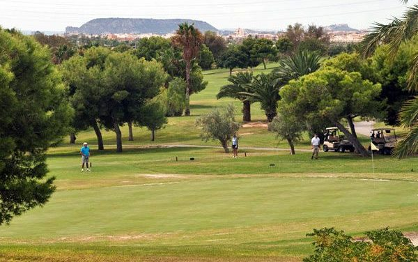 Jugar al golf