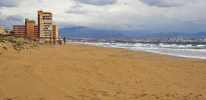 Playas de Elche Arenales del Sol