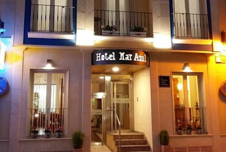 Fachada del Hotel Mar Azul en El Campello