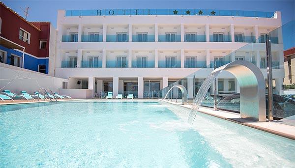 Exterior piscina hotel Sol Javea