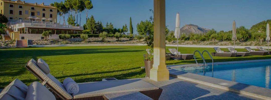 Piscina y hotel con encanto en Alicante
