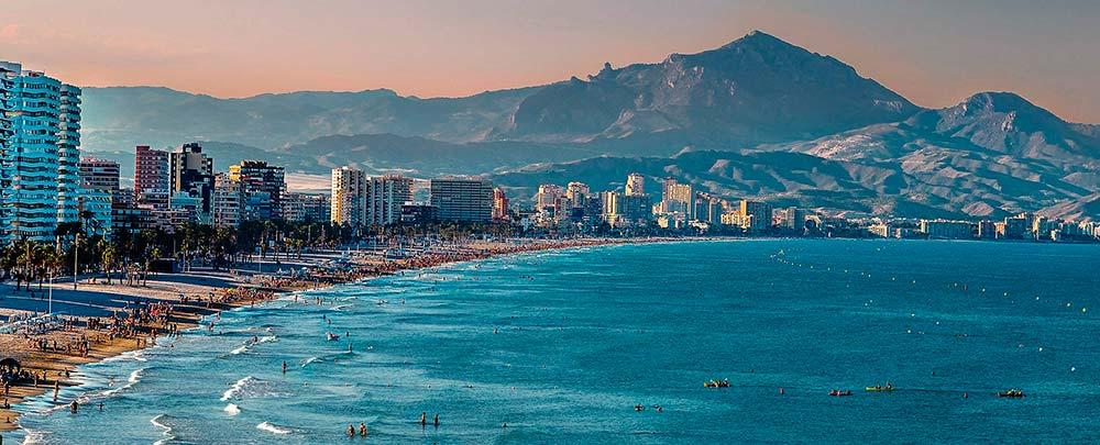 Imagen de una playa de Alicante