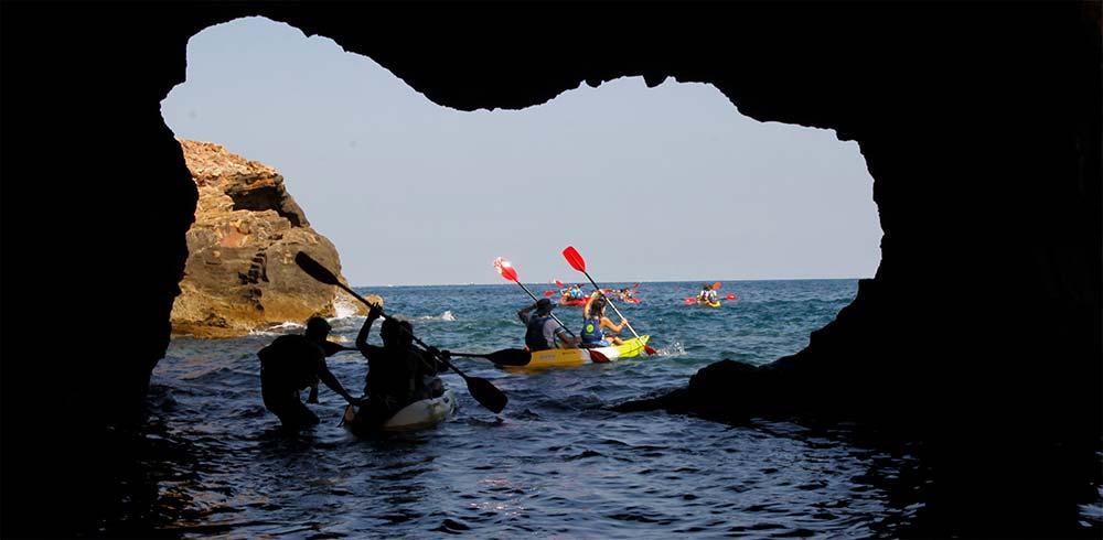 Kayak de Denia en la Cova Tallada