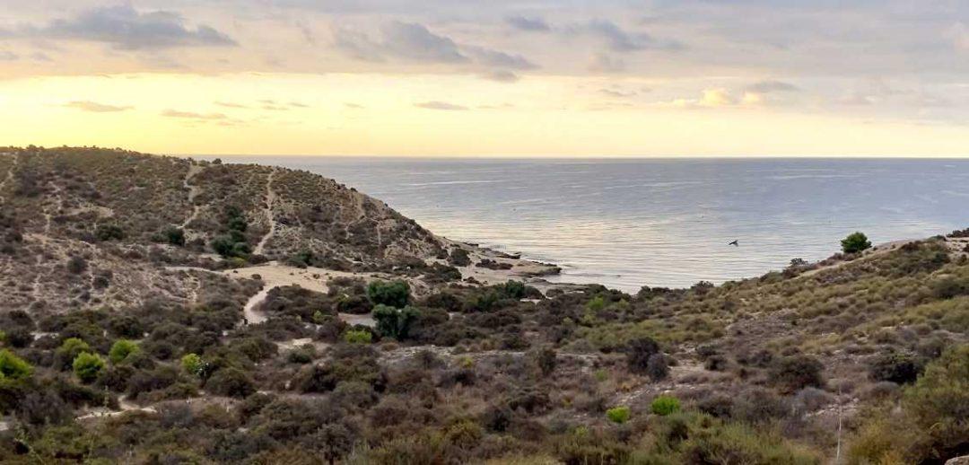 Cala Cantalar en la ruta del Cabo de la Huerta en Alicante